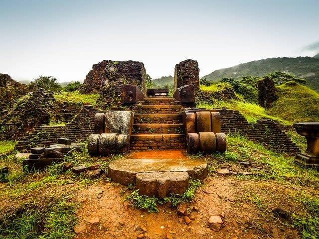 যে দশটি ঐতিহাসিক স্থান সারা পৃথিবীতে বিখ্যাত